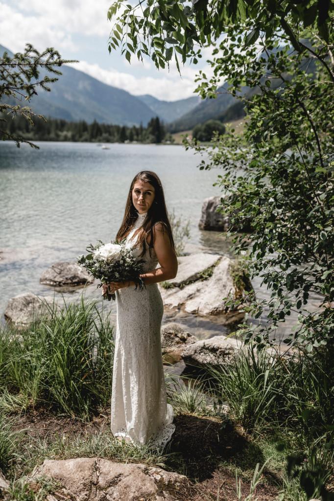 Braut am Hintersee