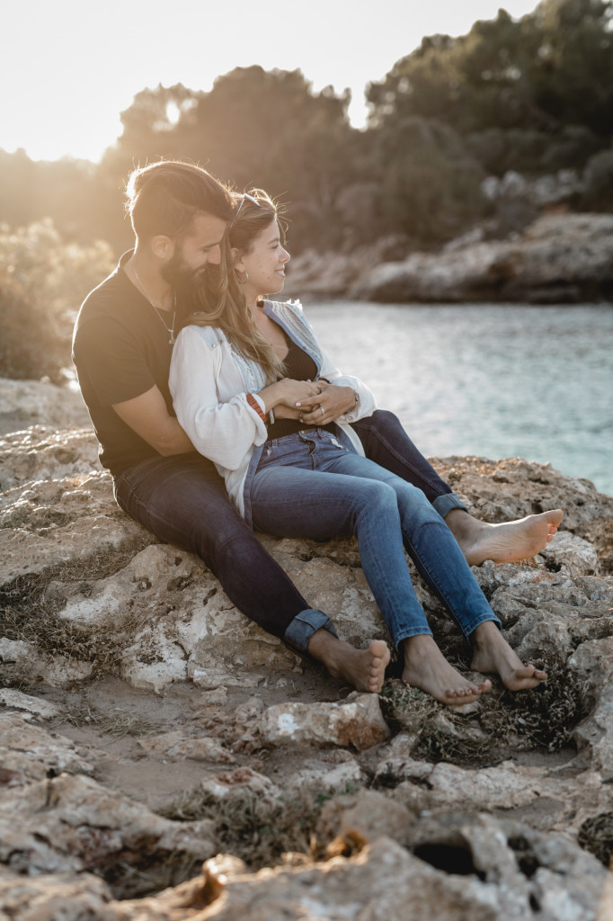 authentic couple photos on a beach of mallorca