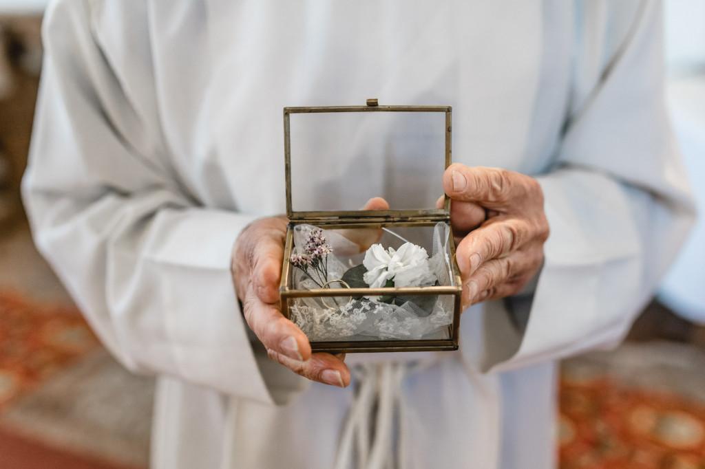 Hochzeitsringe in Glasbox