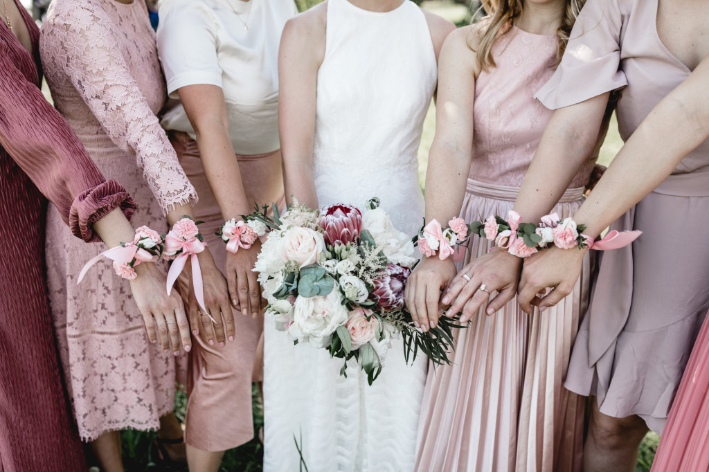 bridemaids in mauve