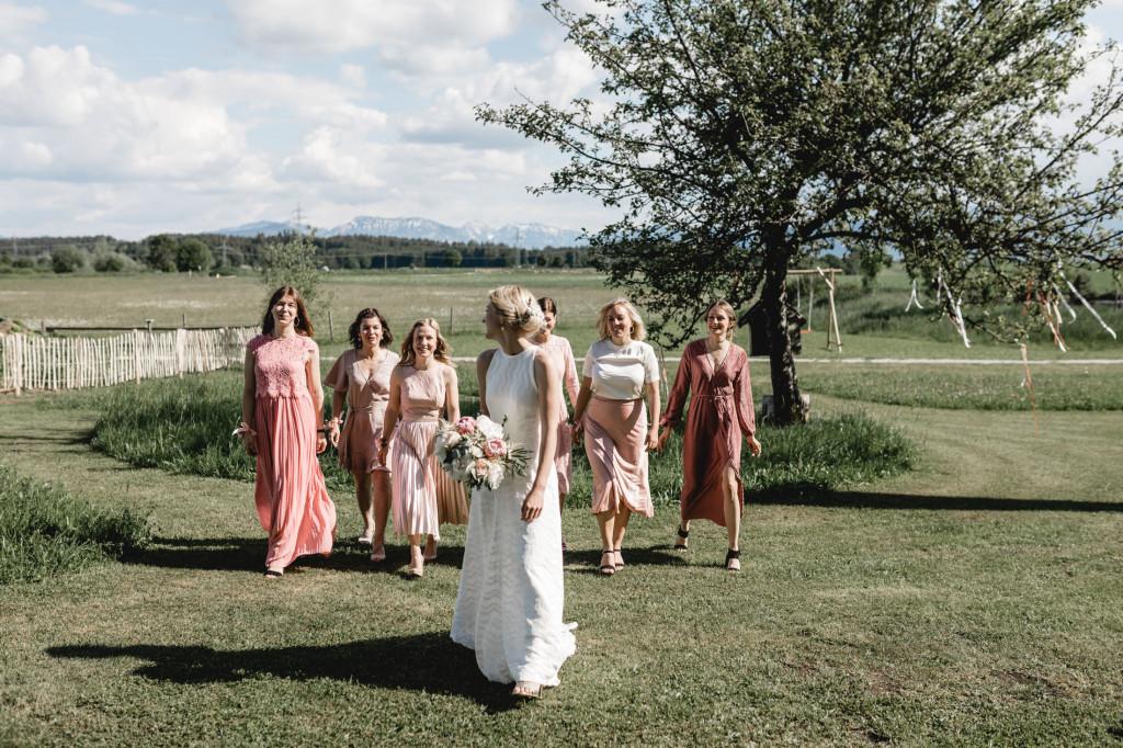 bridemaids in mauve